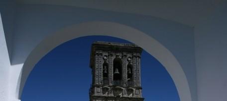 Arcos de la Frontera - Plaza del Cabildo i kościół Iglesia de Santa María