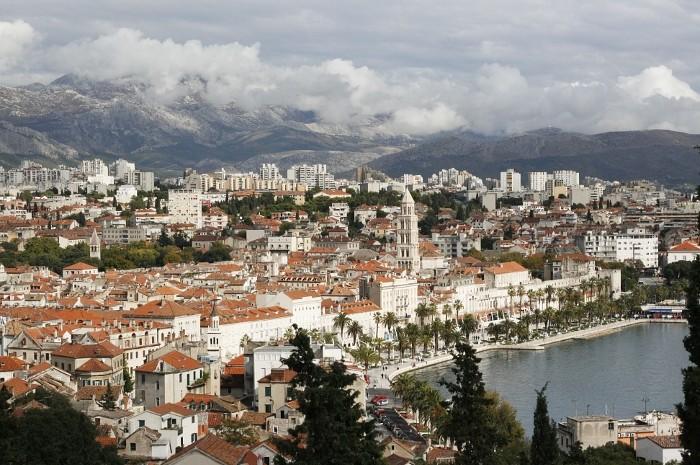 Split - panorama miasta. Tak piękny widok można oglądać ze wzgórza Marjana