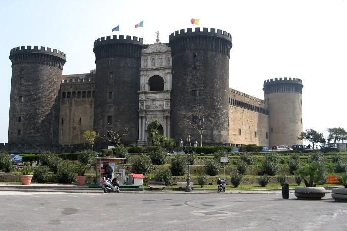 Neapol napoli t tni cy yciem Que significa contemporaneo wikipedia