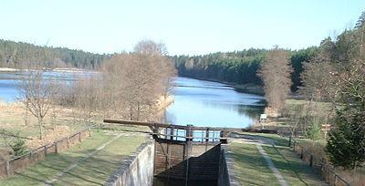 Śluza Paniewo (fot. Merlin - Wikipedia)