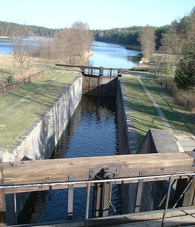 Śluza Paniewo na Kanale Augustowskim (fot Merlin - Wikipedia)