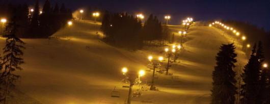 Kotelnica nocą (fot. Lukaszgoryl - Wikipedia)