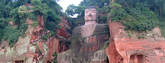 Budda z Leshan (fot. Karelj - Wikipedia)