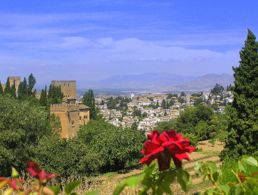 widok na Albaicin i Alcazabę