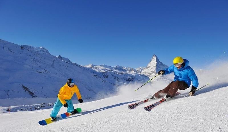 Jazda na nartach w ośrodku Zermatt