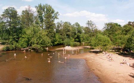 Kąpielisko nad Świdrem niedaleko Otwocka