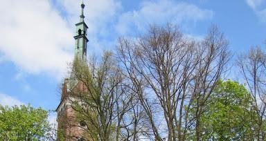 Neogotycki kościół w Wąwolnicy