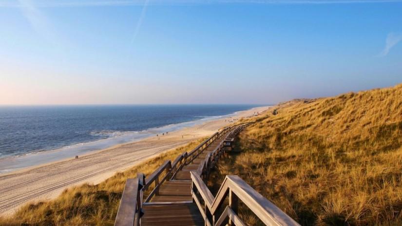 Wybrzeże na niemieckiej wyspie Sylt - Morze Północne. Źródło: www.germany.travel