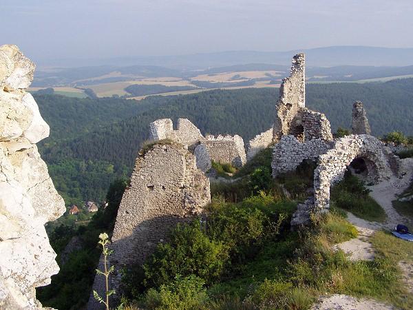 Ruiny zamku w Čachticach gdzie mieszkała wampirzyca Elżbieta Batory