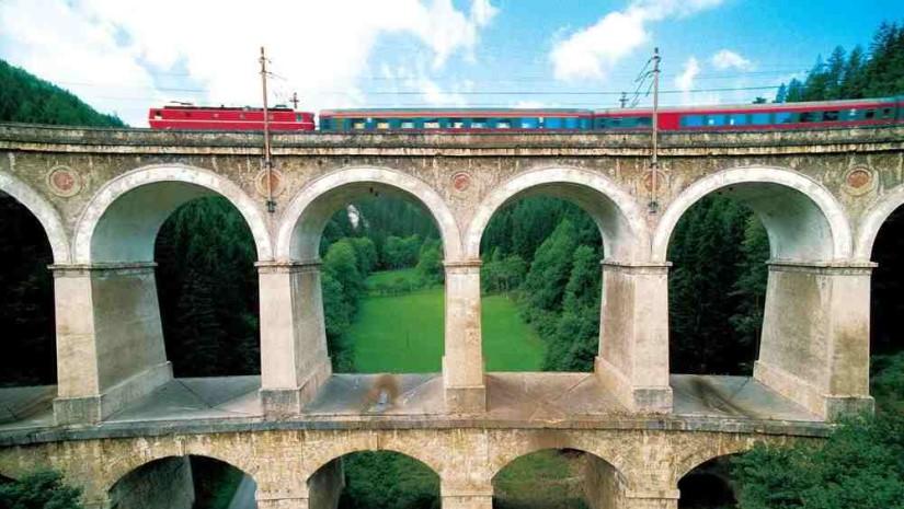 Solidna konstrukcja Semmeringbahn liczy już ponad 150 lat. Źródło: www.heute.at