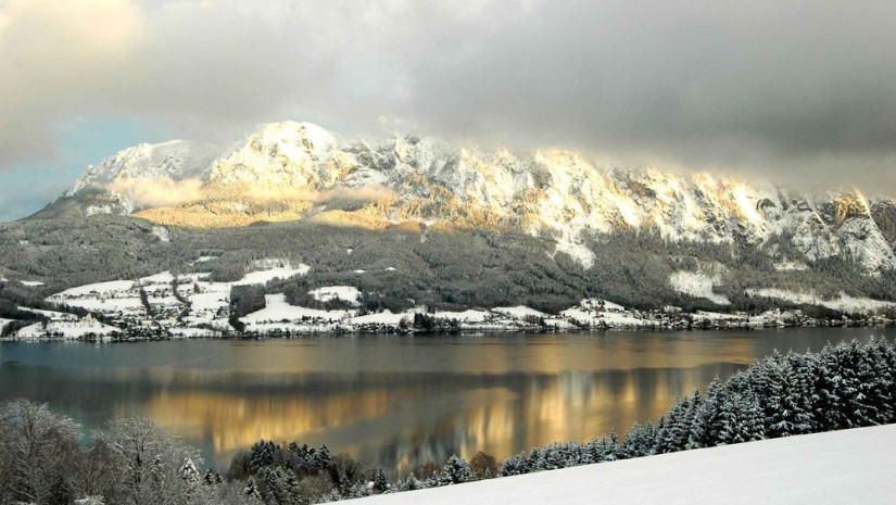 Attersee zimą. Zdjęcie autorstwa Andreasa J. Grafa