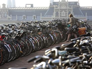 Amsterdam to prawdziwa stolica rowerów!