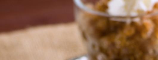 Kawowy sorbet granita z czapą bitej śmietany