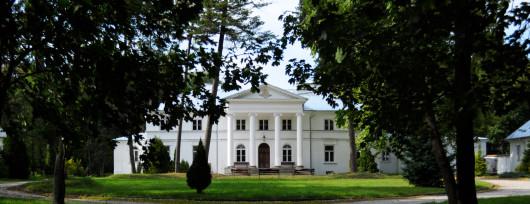 Wnętrza pałacu w Drwalewie zmodernizował A.Więckowski