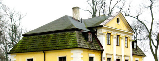 Dworek w Lipkowie przed którym pojedynkowali się Bohun i Pan Wołodyjowski. Źródło: www.babice.waw.pl