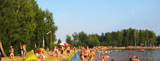 Kąpielisko w Jastrzębiu przyciąga radomiaków. Źródło: www.portalszydlowiecki.pl