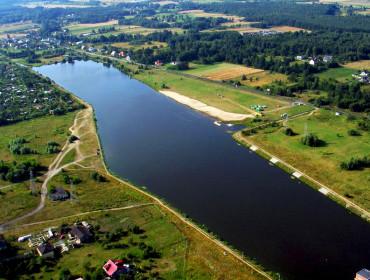 Widok z lotu ptaka na Zalew Żyrardowski (źródło: www.zyrardow.pl)