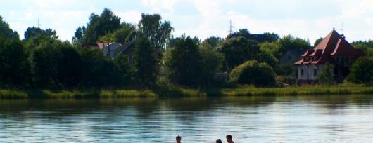 Przyjemne kajakowanie po akwenie w Makowie Mazowieckim (źródło: www.powiat-makowski.pl)