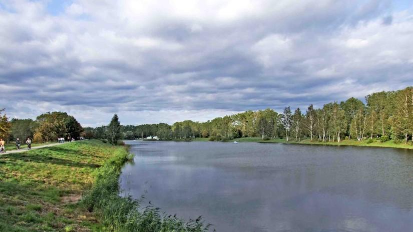 Zalew w Węgrowie po modernizacji to doskonałe miejsce do wypoczynku. Źródło: www.wegrow.com.pl