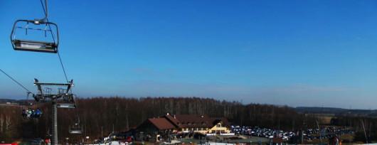 Najdłuższa trasa ośrodka Góra Kamieńsk imponuje szerokością