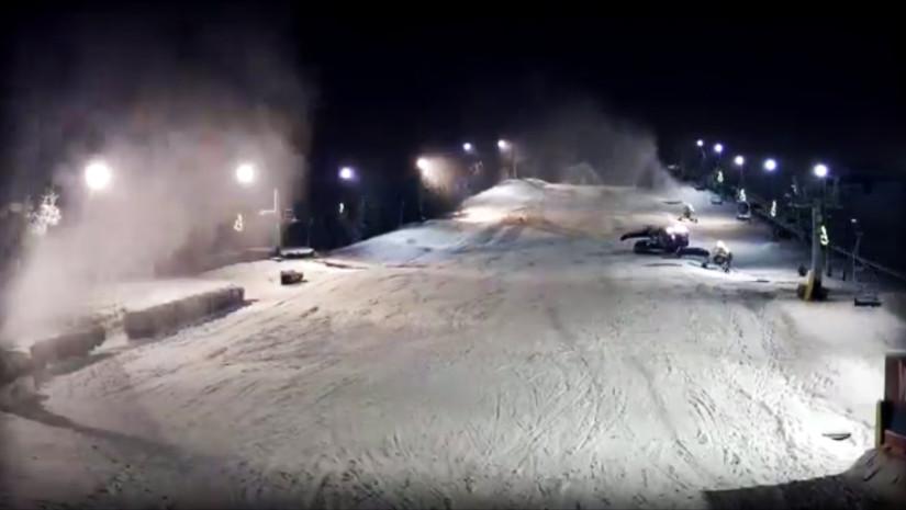 Nocna praca na stoku Malta Ski w Poznaniu aż wre (źródło: www.maltaski.pl)