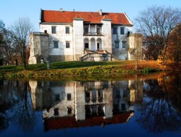 Zamek w Szydłowcu - widok od strony wschodniej (źródło: www.szydlowiec.pl)