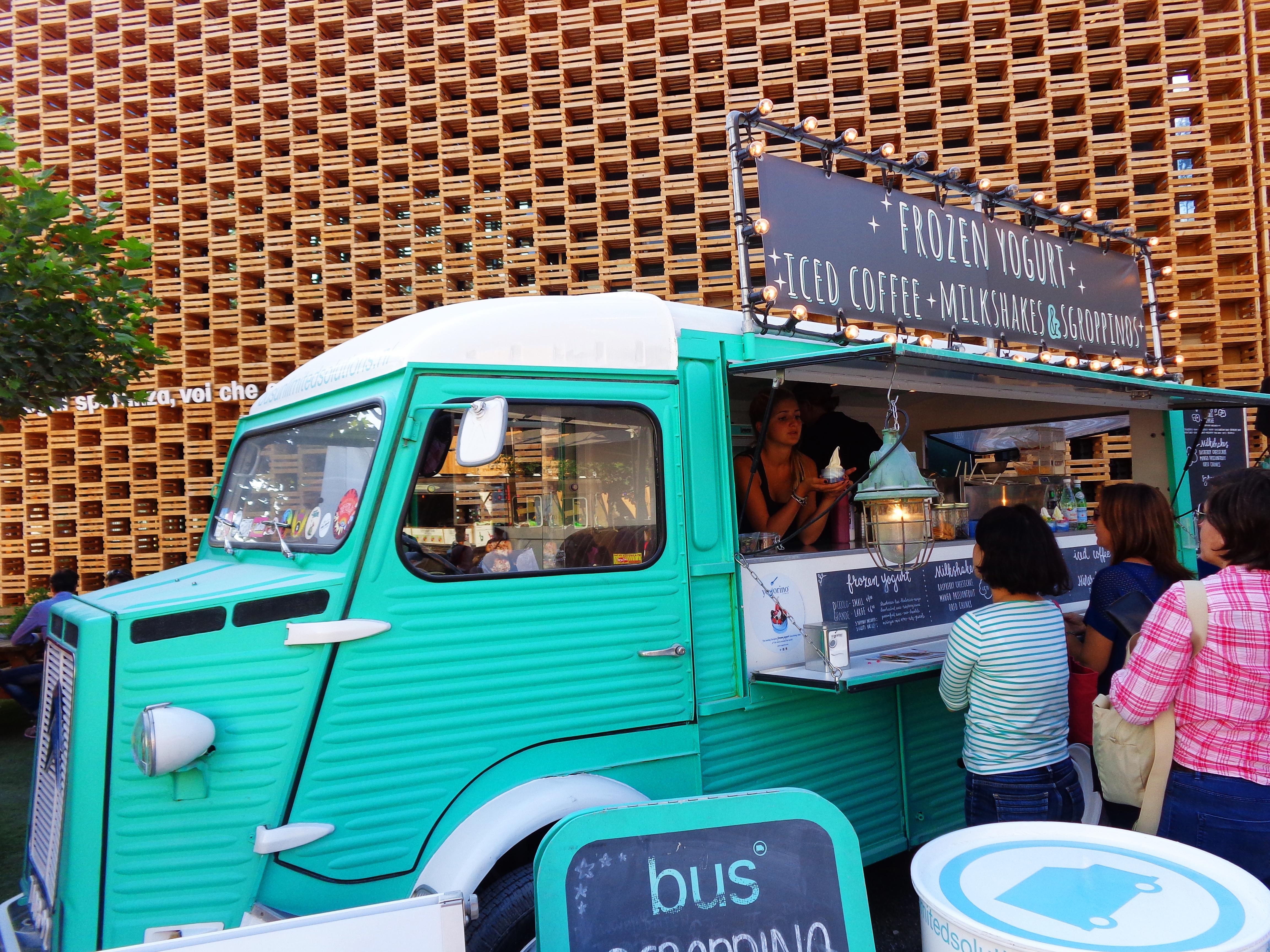 Holenderski pawilon zdominowały food trucki. Można było skosztować mrożonego jogurtu…