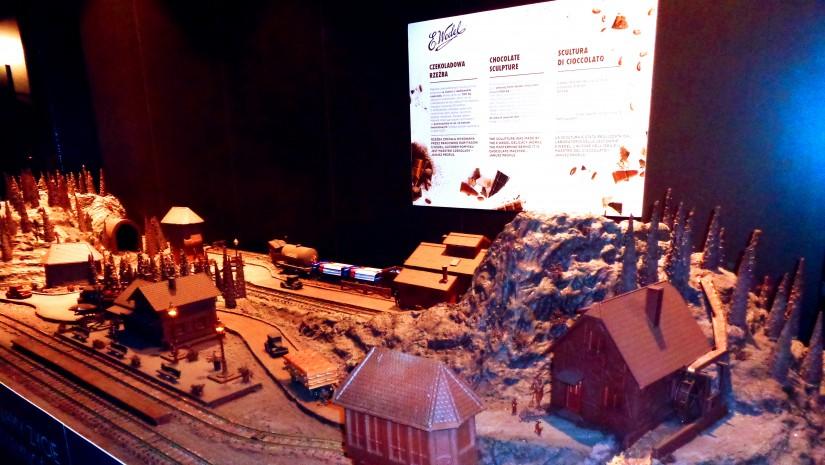 Kusząca makieta pociągu z czekolady wykonana przez E. Wedla.