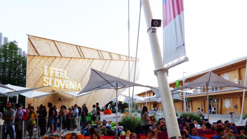 Relaksacyjna część ekspozycji Słoweńców. Często kolejki do foteli czy leżaków były dłuższe niż do samego pawilonu.