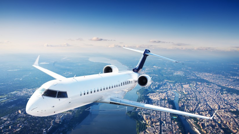 samolot-loty-latanie-825x465.jpg