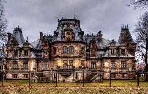 Pałac Sobańskich w Guzowie imponuje wielkością i majestatem