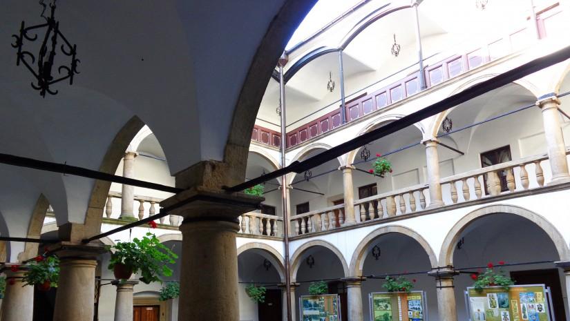 Stary Zamek Habsburgów to teraz siedziba Muzeum Żywieckiego