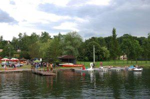 Zalew w Łapanowie - łódki, kajaki, łabędzie. Wszystko, czego dusza zapragnie! (źródło - fanpage gminy Łapanów)