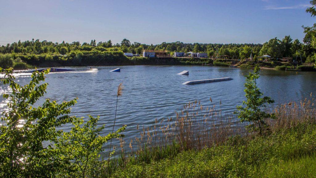 Wake Family nad Jeziorem Trzciańskim to idylla pod Warszawą